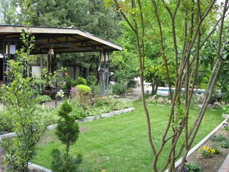 Ev bahçesi